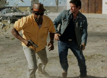 Trench (Denzel Washington, left) and Stig (Mark Wahlberg) just wanted to rob a bank and didn't count on all the trouble that supposed-to-be-simple robbery caused them. Photo: Patti Perrot ©2013 Universal Pictures