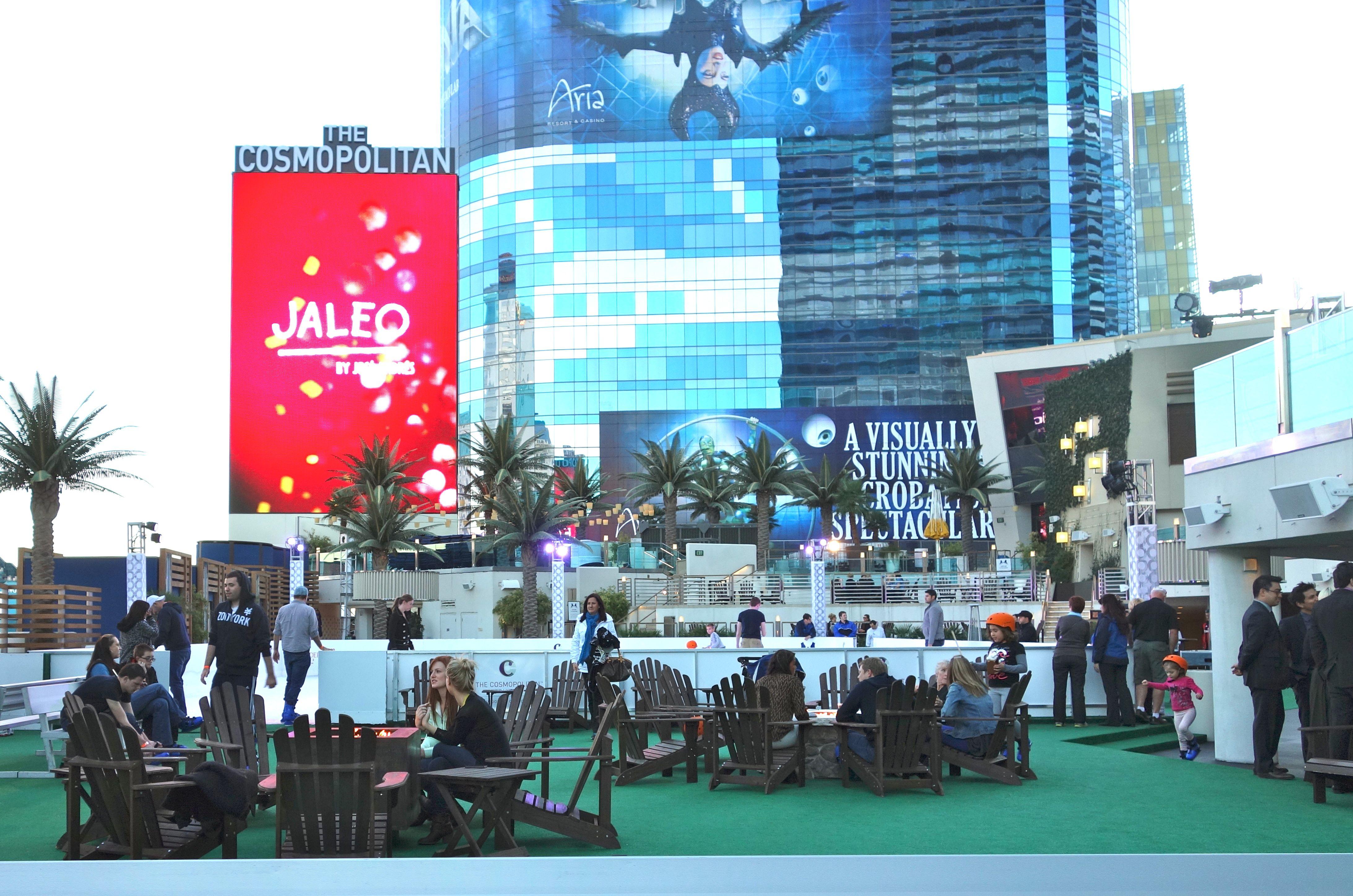 Vegas Has Two Winter Wonderlands Living Las Vegas