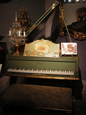 Piano used in A Song to Remember